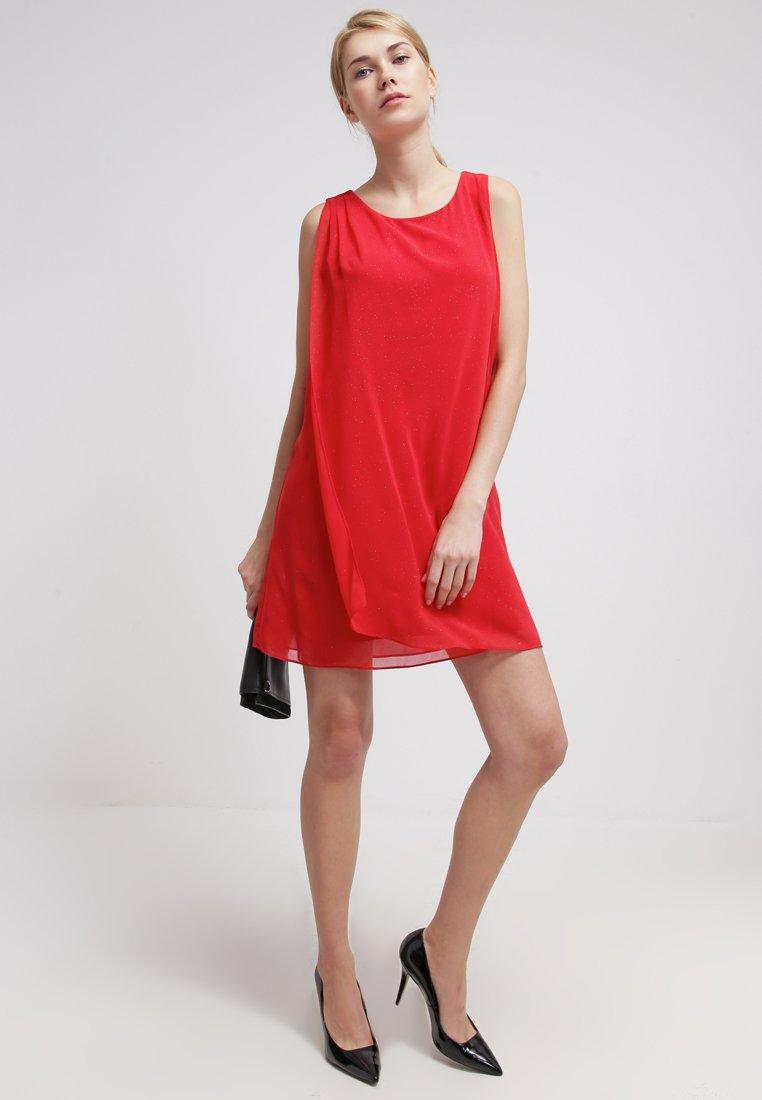 vestido chifón rojo