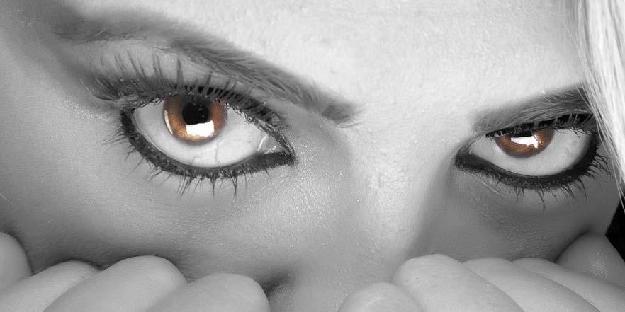 Tus cejas perfectas con el microblanding