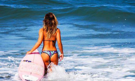 Elige bikini en base a tu forma física, tu cabello y tu piel