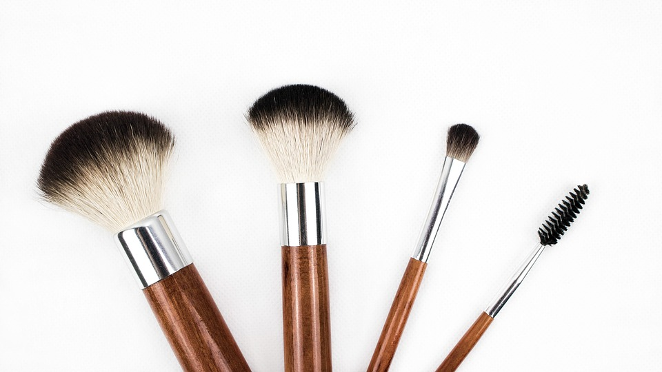 makeup-brush-1746322_960_720