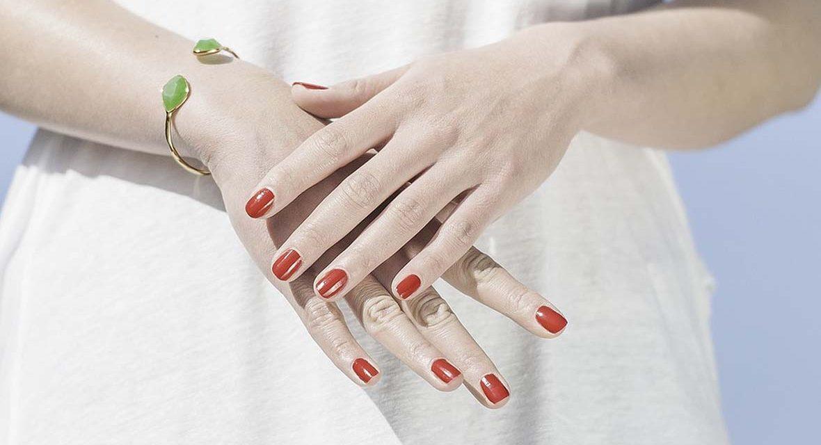 Cómo hacer que el esmalte de uñas dure más tiempo