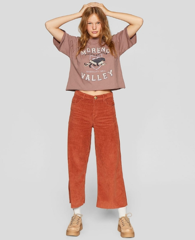 pantalones flare de pana