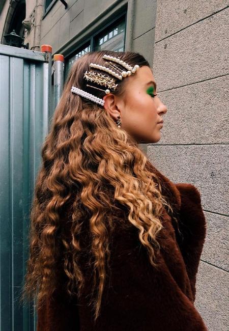 peinado con broches